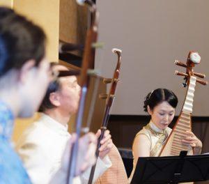 中国琵琶と二胡の演奏
